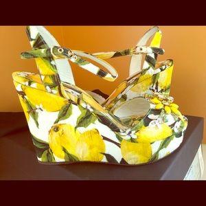 Gently used Dolce & Gabbana lemon 🍋 shoes